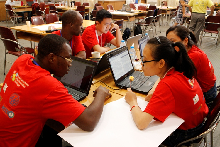 Đội thi có sự tham gia của học viên nước ngoài tại IFI
