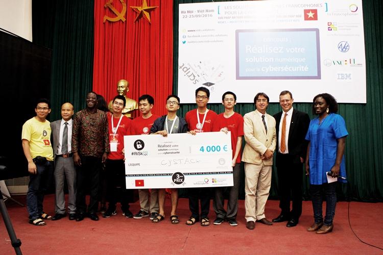 Đội Cystack đạt giải ba với sản phẩm Webfuzzer