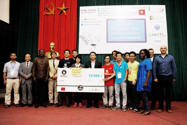 Đội VNSEC đạt giải nhất với sản phẩm StarShade